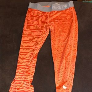 2 nike full and cropped leggings